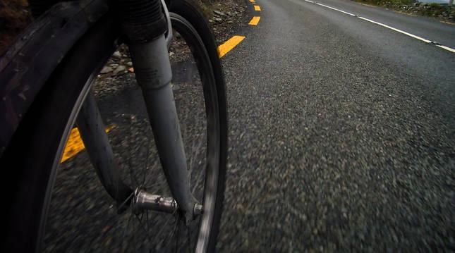 El ciclista sufrió la caída cuando bajaba el Puerto de Urkiaga.