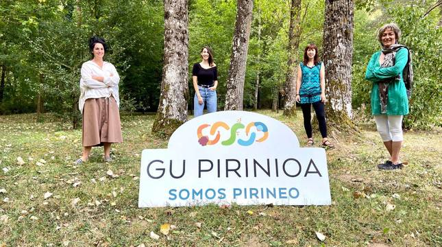 Desde la izda.: Irama Vela Llarena, Naia Sánchez Carballo, Ainhoa Elizalde Ojer y Andrea Rodríguez Goñi.