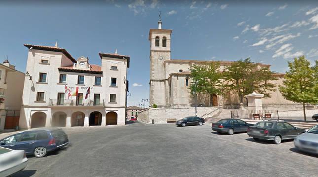 Imagen de la plaza donde está el ayuntamiento del municipio de Cantalejo, uno de los confinados.