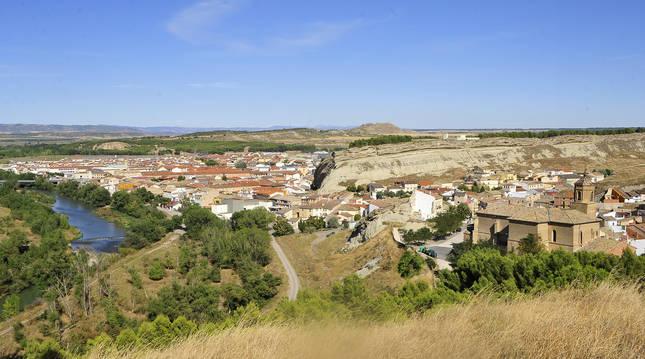 Vista del casco urbano de Caparroso (Navarra) desde el Cristo.