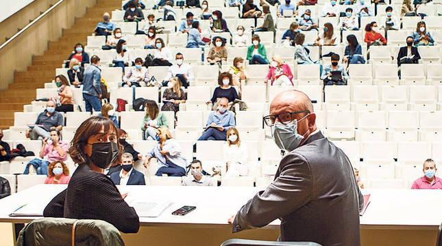 Unzué y Gimeno, en la reunión de ayer con los directores de centros.