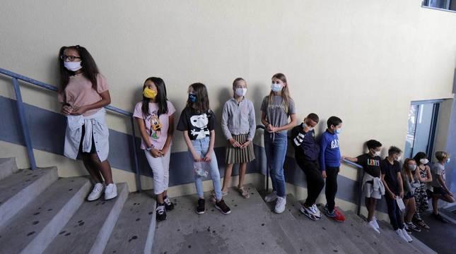 Francia tuvo que cerrar 22 escuelas por coronavirus tras el inicio del curso