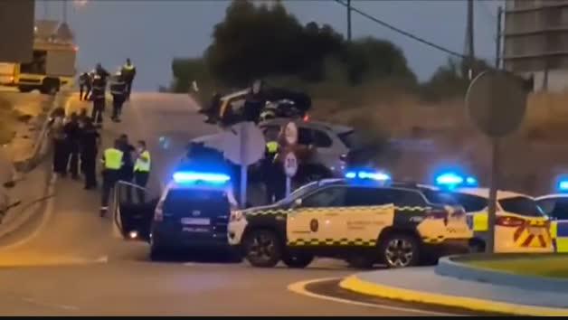 Herido grave un policía tras ser embestido por un todoterreno cargado de hachís en Algeciras