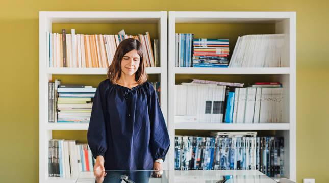 La arquitecta pamplonesa Sara Velázquez Arizmendi, de 46 años, en el estudio 'VArquitectos'.