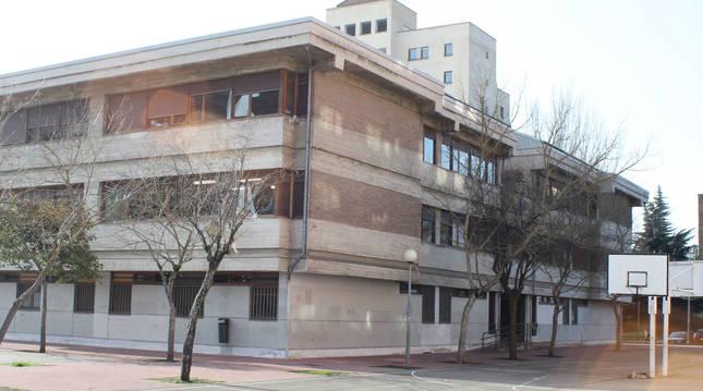 Exterior del colegio Ermitagaña de Pamplona.