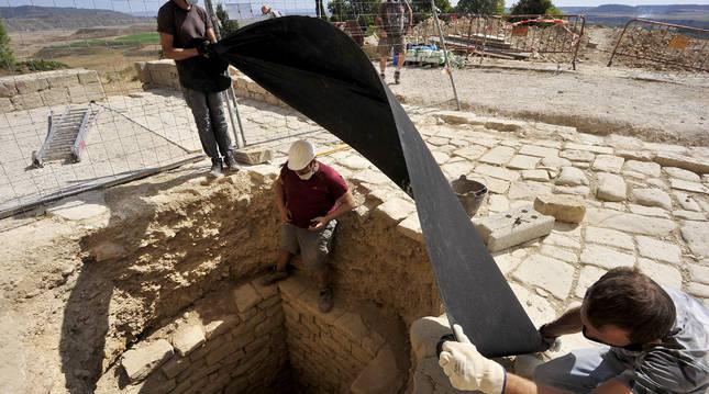 El aljibe se sellará para seguir trabajando en él en una excavación futura.
