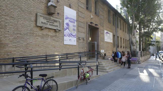 Una imagen del exterior de la Casa de las Mujeres de Pamplona.