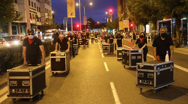 Manifestación de los trabajadores de empresas de organización de eventos en Pamplona.