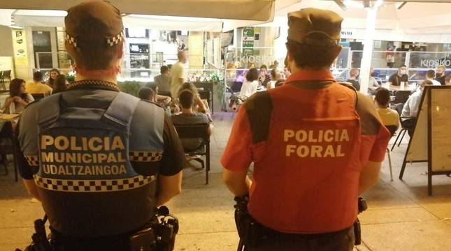 Dos detenidos tras una pelea tumultuaria donde se lanzaban sillas en Pamplona