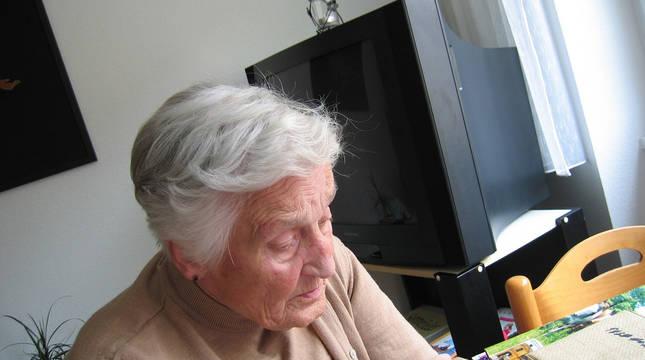 Una mujer, enferma de Alzheimer.