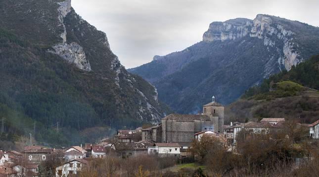 Vista general de la localidad de Burgui, en el valle de Roncal