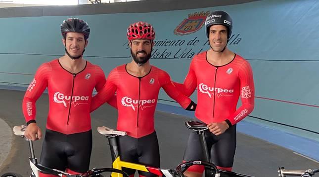 Sergio Aliaga, Alfonso Cabello y Juan Peralta, este miércoles en el Velódromo de Tafalla.