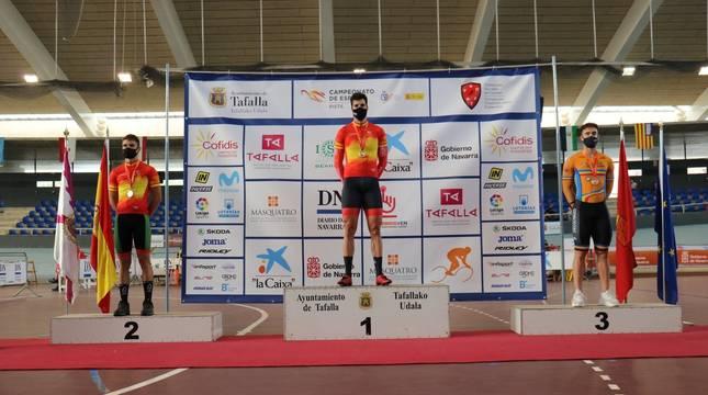 Juan Peralta, en lo más alto del podio.