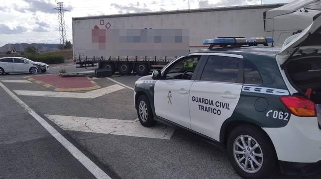 Imagen de los dos vehículos implicados en el accidente de Caparroso.