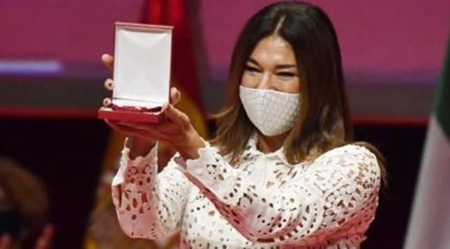 Raquel Revuelta, durante el acto de entrega de la Medalla de Sevilla