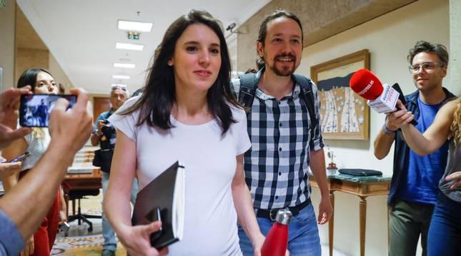Pablo Iglesias e Irene Montero en una reunión de Podemos.