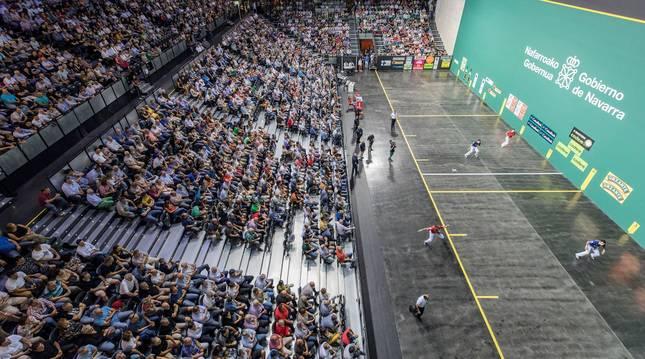 Foto del frontón Navarra Arena durante una final.