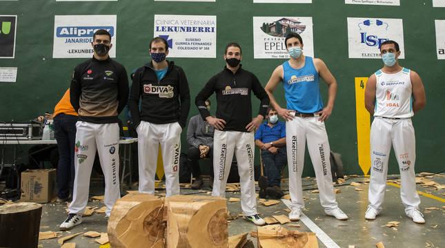 De izquierda a derecha, los cinco clasificados a la final: Iker Vicente, Jon Rekondo, Eneko Saralegi, Rubén Saralegi y Oier Kañamares.