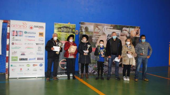 Foto de los galardonados en el concurso de quesos elaborados con leche de oveja latxa de Navarra.