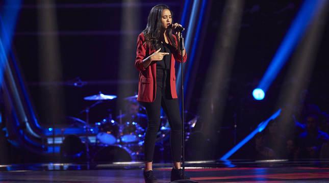 La pamplonesa Patricia Kaninga, durante su actuación en las audiciones a ciegas de 'La Voz'.