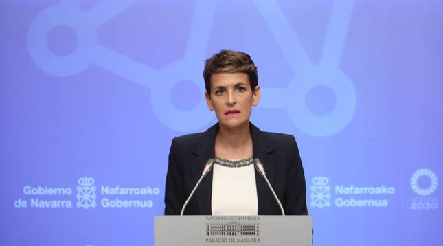 María Chivite, durante la rueda de prensa anunciando las nuevas restricciones en Navarra.