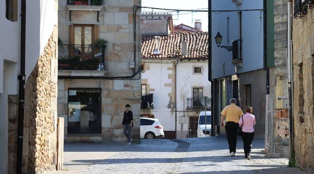 Imagen de una vía del entramado del Casco Viejo de Alsasua (Navarra).