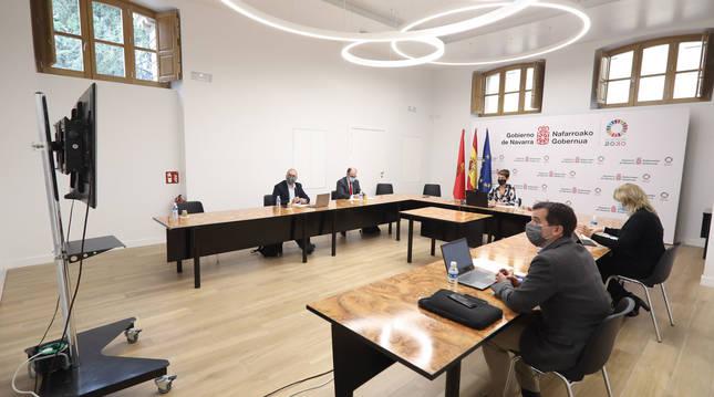 Imagen de representantes del Gobierno de Navarra en la videoconferencia organizada por el Comité de Regiones de la UE.