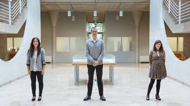 Foto de Lucía Garcés, Martín Larraza y Beatriz Martínez, autores del estudio.
