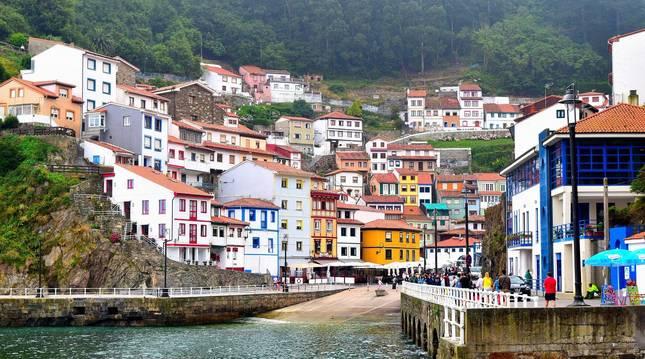 Vista general de la localidad de Cudillero, una de las más bonitas de Asturias