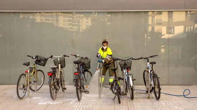 Descontaminación biológica en las calles de Pamplona.