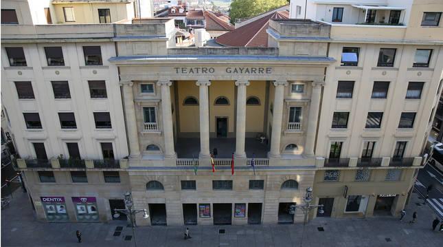 Foto de la fachada del Teatro Gayarre de Pamplona, protagonista en los nuevos bonos de la ONCE.