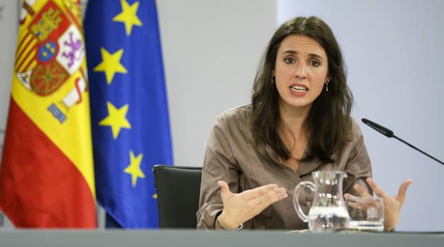 La ministra de Igualdad, Irene Montero, comparece en rueda de prensa tras el Consejo de Ministros celebrado en Moncloa, Madrid (España).