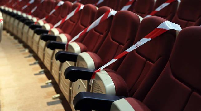 Butacas precintadas en el Auditorio Barañain