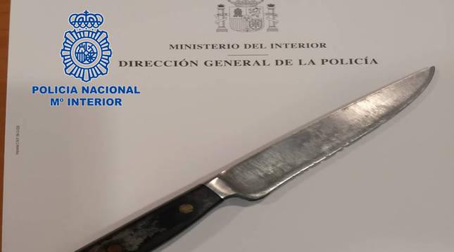 Detenido por intentar apuñalar a un agente de la Policía Nacional