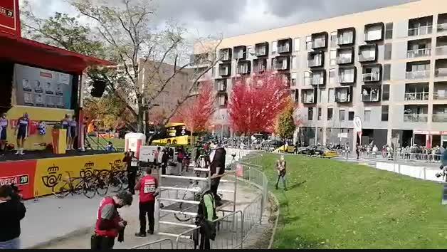 Vídeo: La Vuelta a España, en Pamplona