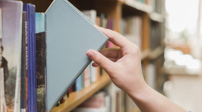 Los 5 libros más vendidos en formato físico en Amazon