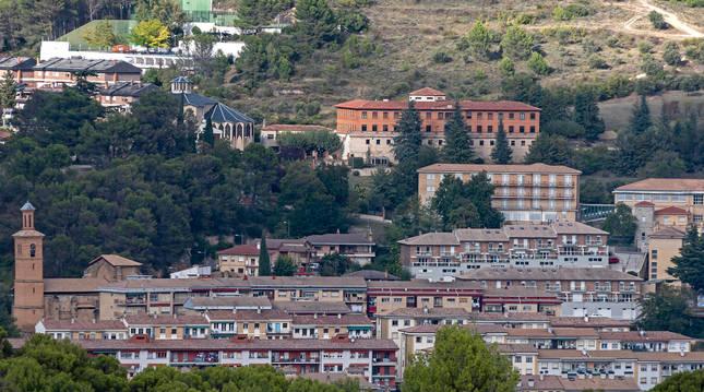 Foto del barrio de Lizarra, la alternativa al paso por el centro que absorbe hoy el tráfico al norte de Estella.