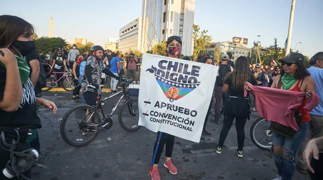 Chile aprueba con más del 78% poner fin a la Constitución de Pinochet