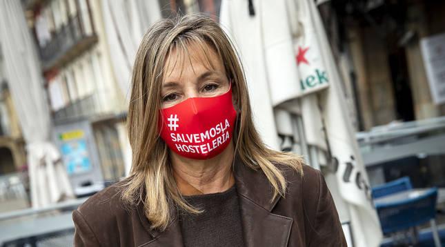 Ana Beriáin Apesteguía, ayer tras la concentración de hosteleros en la plaza del Castillo.