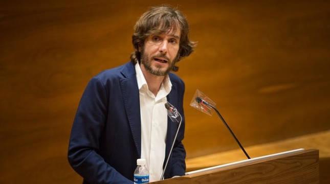 El portavoz de Podemos en el Parlamento de Navarra, Mikel Buil, durante el Debate sobre el Estado de la Comunidad.