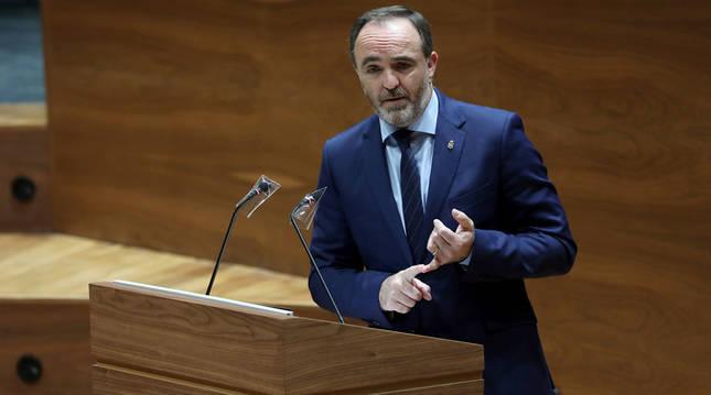 El portavoz de Navarra Suma, Javier Esparza, en el Debate sobre el Estado de la Comunidad en el Parlamento de Navarra.