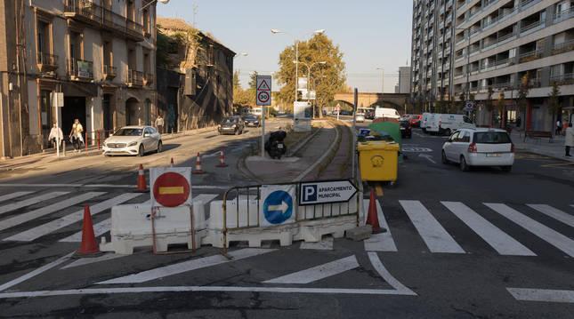 A la derecha, la zona renovada del paseo de Pamplona de Tudela.