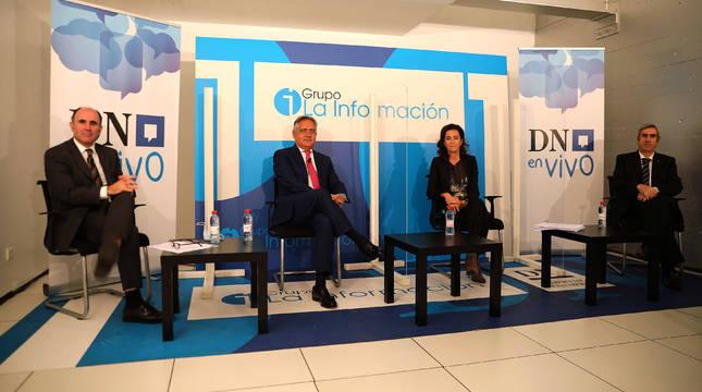 El consejero Ayerdi, Juan Miguel Sucunza (CEN),  Ana Ursúa (AIN) y Miguel Iriberri (Fundación Industrial de Navarra).