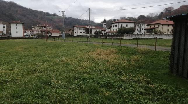 Terrenos de Oronoz-Mugaire sobre los que se levantará el futuro centro de enseñanza.