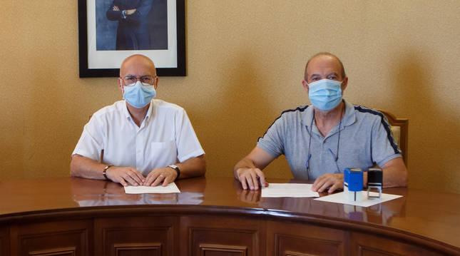 El consejero Ciriza y el alcalde de San Adrián, Emilio Cigudosa, en una reunión anterior.