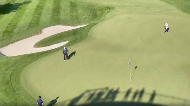 Trump, en un green de su club privado de golf.