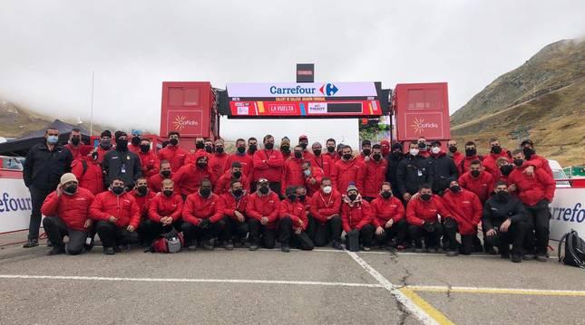 El equipo de M2 eventos que ha trabajado en la Vuelta a España el dá que la carrera llegaba a Formigal.