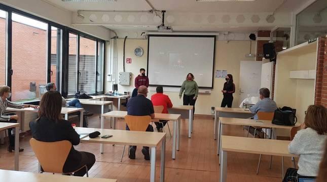 Imagen de la sesión presencial del programa formativo para jóvenes.