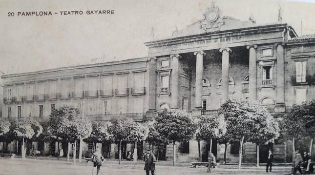 Foto de la fachada del teatro Gayarre en 1905.