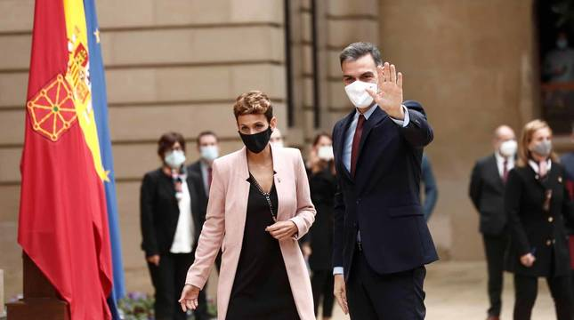 El presidente del Gobierno, Pedro Sánchez, acudió a Pamplona este viernes 13 de noviembre para reunirse con María Chivite y presentar el plan 'España Puede'.